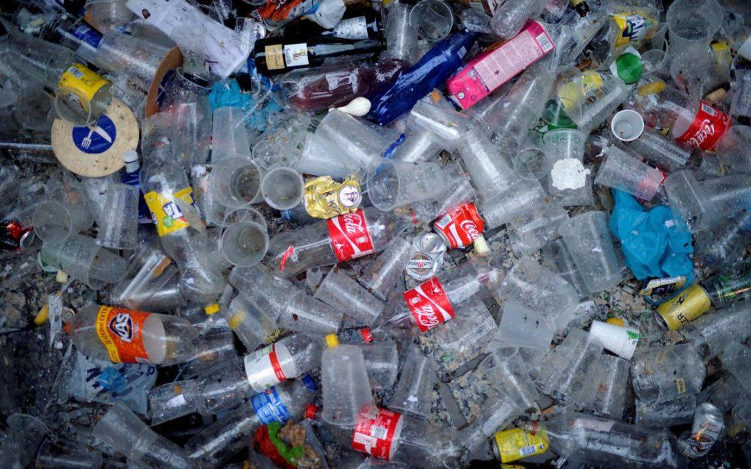 Антипластиковий рух – як у Європі планують відмовлятися від пластику, що не переробляється